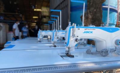 HOY / Embajada de Alemania dona máquinas para la elaboración de tapabocas