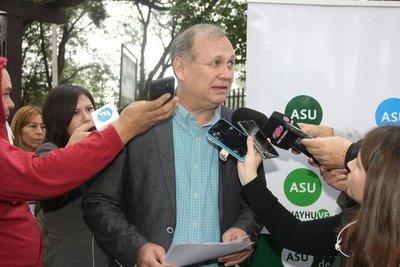 Mario Ferreiro es escrachado frente a su vivienda