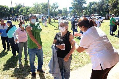En tempo récord se agotaron vacunas contra influenza en Luque •