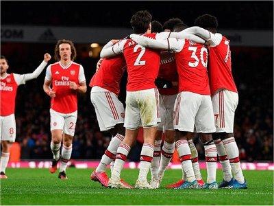 Cuatro jugadores del Arsenal se saltan el confinamiento