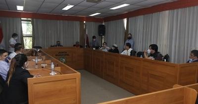"""Concejales piden a la Contraloría auditar """"caseta de oro"""""""