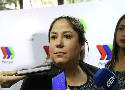 """Renuncia de Patricia Samudio """"es la muestra de que el poder sigue protegiendo a los amigos"""""""