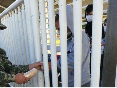 Ingresan al país paraguayos que estaban varados en Puente de la Amistad