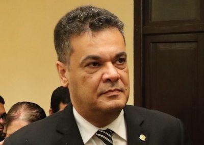 Fiscalía rechaza trato denigrante de Acevedo