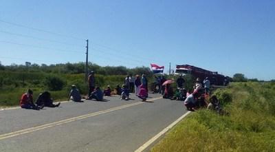 Comunidades indígenas cerraron ruta para exigir kits alimentarios