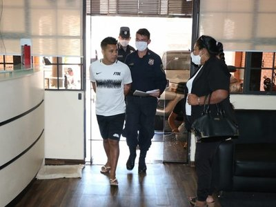 Caso Ronaldinho: Imputan al hombre que habría gestionado pasaportes