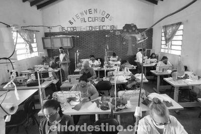 Regional Amambay del SNPP confecciona indumentarias hospitalarias para instituciones de Pedro Juan Caballero