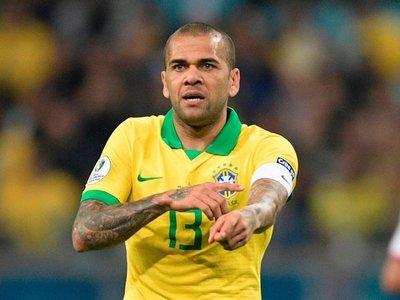 Dani Alves tiró una bomba y dijo en qué equipo argentino quiere jugar