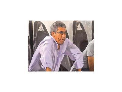 En Chile, Jara soporta días complicados con Colo Colo