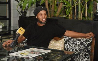 Ronaldinho habla y cuenta cómo se dio su venida al país