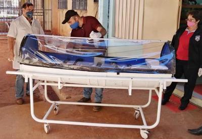 Presos de Pedro Juan Caballero fabrican cápsula para traslado de pacientes con Covid-19