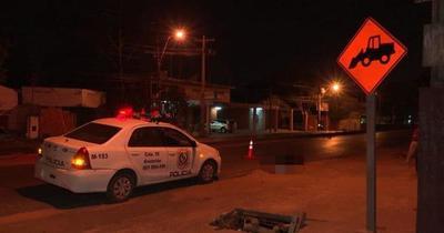 Mujer murió atropellada por un vehículo, que se dio a la fuga