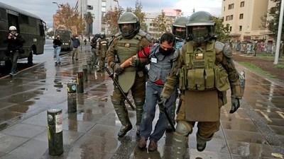 Más de 60 detenidos en una nueva protesta en Chile contra el gobierno de Piñera