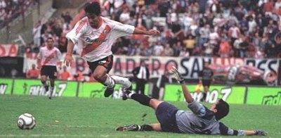 El gol de 'Cuevitas' que sigue retumbando en el Monumental