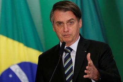 Bolsonaro nombra ministro de justicia y jefe policial