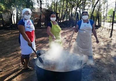 Ganadero dona una vaca para olla popular en Itapuamí • Luque Noticias