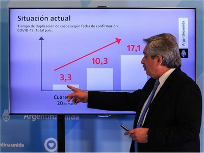 Fernández pide a Merkel ayuda en negociaciones de la deuda argentina