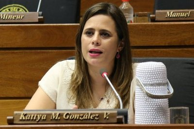 """Kattya González: """"Este es el momento de que Mazzoleni elija de qué lado va a estar"""""""