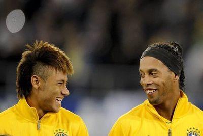 """""""Neymar tiene condiciones del nivel de Ronaldinho"""""""