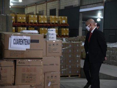 En medio de sospechas de corrupción, renuncian dos directores generales de Salud