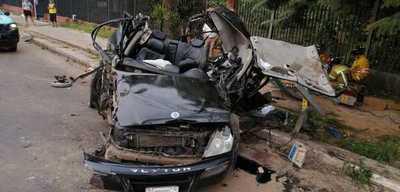 Aparatoso accidente frente a la Ciclovía deja tres personas heridas