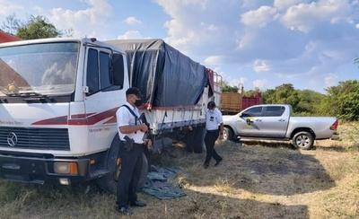 HOY / Villa Hayes: A tiros rescatan camión con mercaderías de presunto contrabando