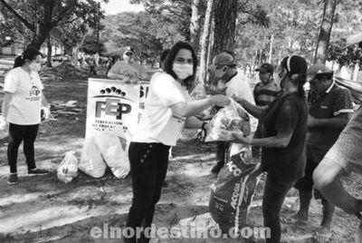 Docentes del Sindicato de Educadores del Amambay entregaron  kits de alimentos a familias carenciadas de Pedro Juan Caballero