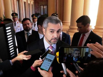"""Mario Abdo """"respeta"""" críticas y asegura que no permitirá corrupción"""