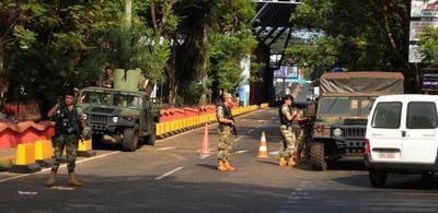 Anuncian mayor presencia de militares en la frontera con Brasil, atendiendo a que el país vecino registra una fuerte propagación del coronavirus – Diario TNPRESS