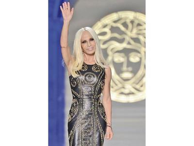 Donatella Versace,  65 años con triunfos y cicatrices