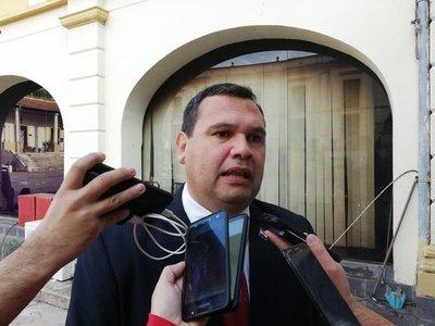 Ampliación de cargos contra fiscal revela inconsistencia, dice diputado