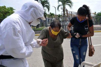 El FMI da crédito de emergencia a Ecuador