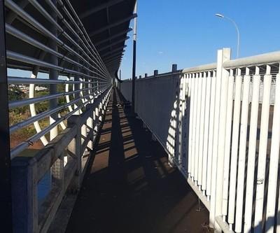 Por ahora el Puente de la Amistad está vacío