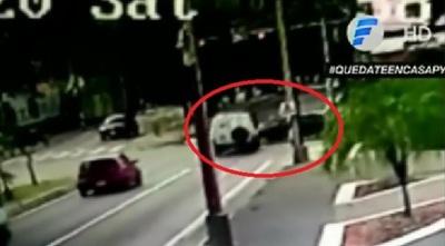 Video retrata choque entre ambulancia y otros vehículos