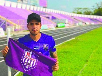 Jugador argentino está como para vender mangos con paraguayo
