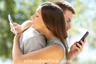 Las microinfidelidades son acciones o comportamientos en los que incurre una persona comprometida, pero de forma sutil