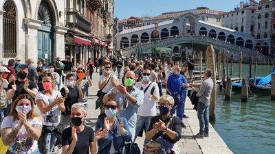 Italia registra 195 muertos más y sigue reduciendo los contagios