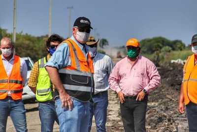 MOPC rehabilita caminos para garantizar movilidad de 3.000 compatriotas en Toro Pampa