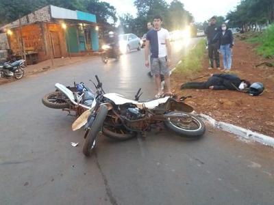 Choque de motocicletas deja un lesionado