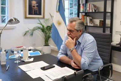 Economía argentina caerá con fuerza en 2020