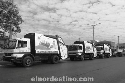 Municipalidad de Pedro Juan Caballero recibe cinco camiones para servicios a la comunidad adquiridos por licitación pública