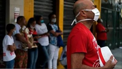 Actividad de servicios de Brasil se derrumba a niveles históricos en abril