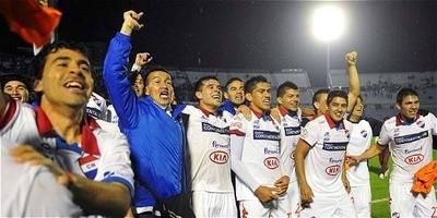HOY / Nacional pone un píe en las semifinales de la Libertadores 2014