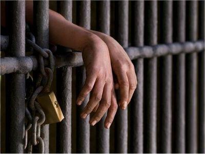 Confirman condena para ex policía que violó varias veces a su hijastra
