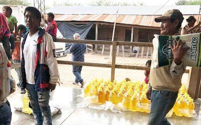 Pobladores de Pozo Hondo reciben víveres