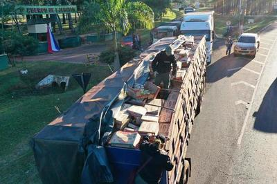 Incautan en Curuguaty camiones con azúcar y aceite ingresados de contrabando