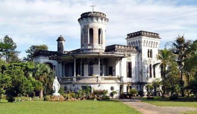 Connacionales en cuarentena obligatoria en el Castillo Carlota Palmerola son resguardados por personal militar