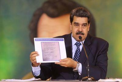 Pompeo urge a Maduro a dejar el poder