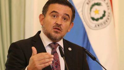 Senado aprueba interpelar a Eduardo Petta
