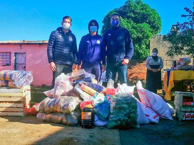 Sol de América llega al barrio Santa Ana y reparte alimentos